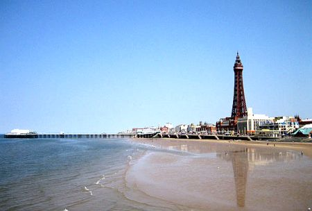 Blackpool Tower, looking North...