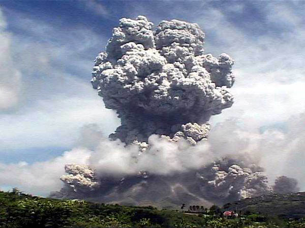 volcano_7big_montserrat_eruption